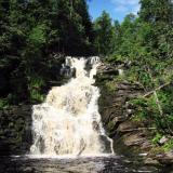 Общий вид на водопад «Белые мосты»